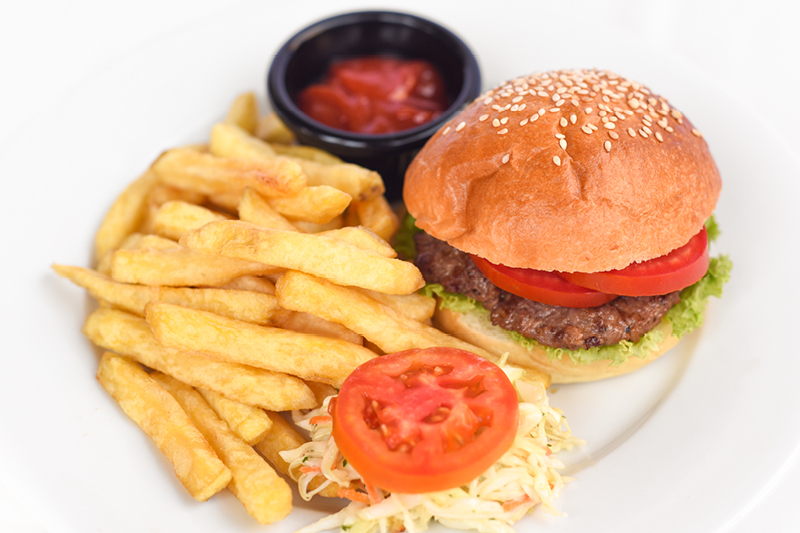 KIDDIE BEEF BURGER & FRIES